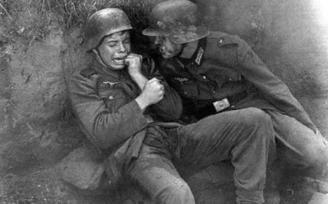 2 junge Soldaten 2GM
